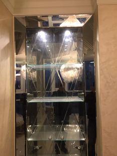 Зеркальный шкаф. Ломоносовский проспект.