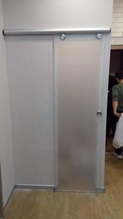 Стеклянная дверь раздвижная - система маннет.