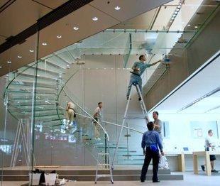 Стеклянная лестница - эксклюзивный проект в частном доме в Рублево